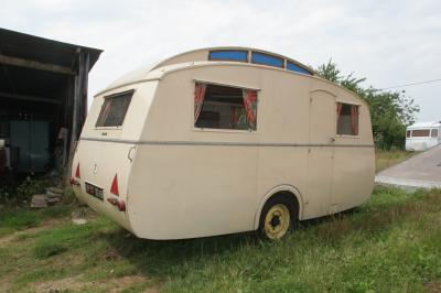 notin 1951 caravane ancienne de collection henon notin. Black Bedroom Furniture Sets. Home Design Ideas